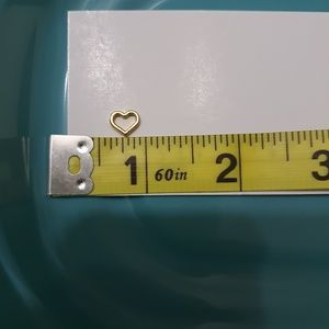 Jewelry - Hollow goldtone heart charms